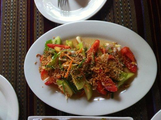 Thanakha Garden: Tomato Salad