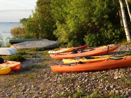Shallows Resort : Kayaks to borrow