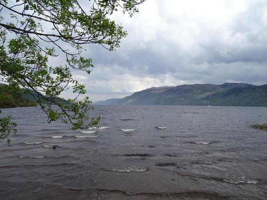 Highland Experience Tours : Broader view of Loch Ness