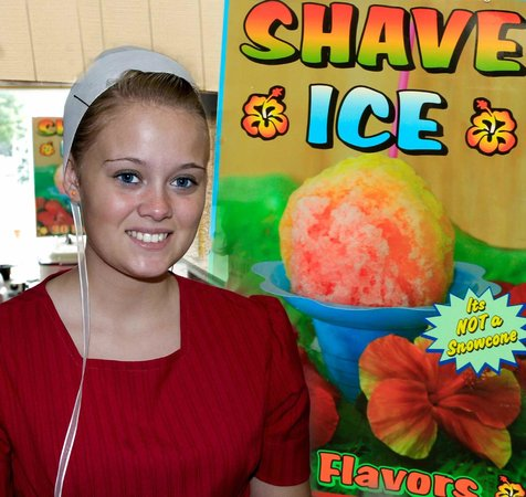Kukui's Hawaiian Shaved Iced : Friendly smile - excellent service