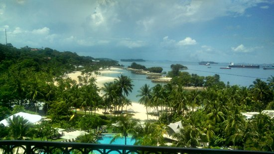 Shangri-La's Rasa Sentosa Resort & Spa: Pic taken off my Balcony