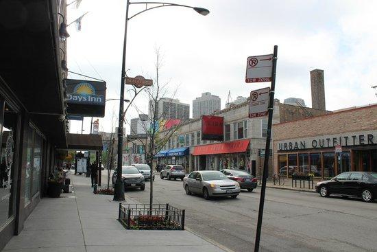 Hotel Versey - Days Inn Chicago: Good neighborhood