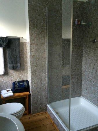 Antrim Villa: Bathroom