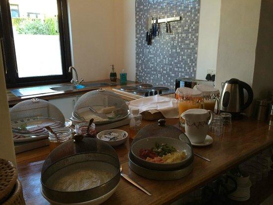 Antrim Villa: Breakfast