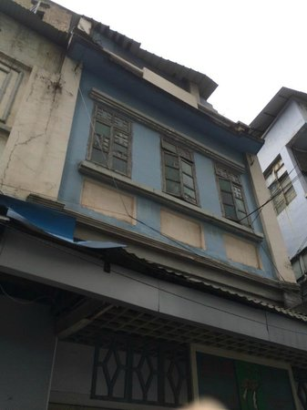 Beijing Road Shopping District : Old shophouses