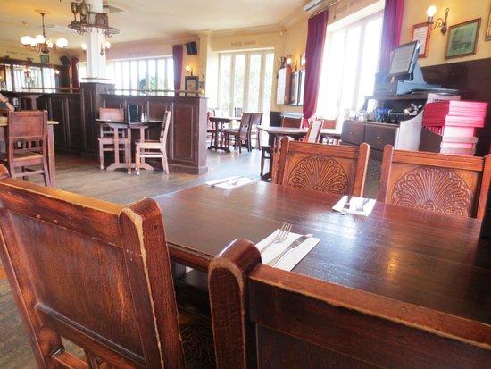 De Fontein Belgian Beer Cafe: De Fontein interior