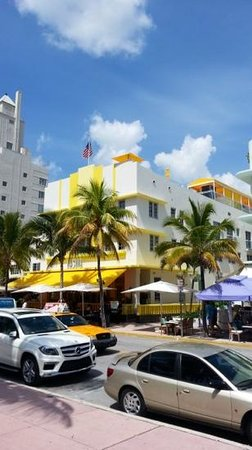 The Official Art Deco Walking Tour by the Miami Design Preservation League: Brilliant colors on Art Deco buildings in Miami