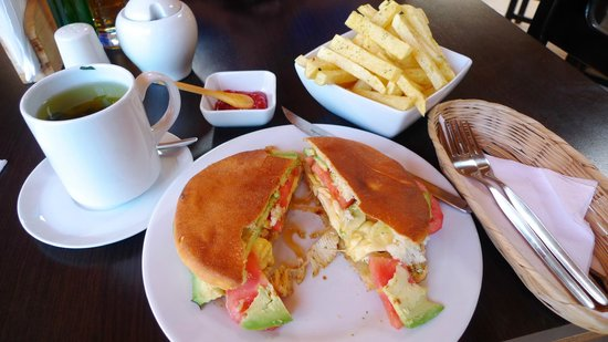 Full chicken sandwich at Puka Rumi restaurant, Ollantaytambo