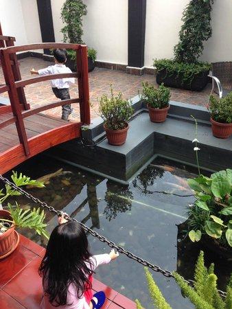 Arion Swiss-Belhotel Bandung: Beside lobby