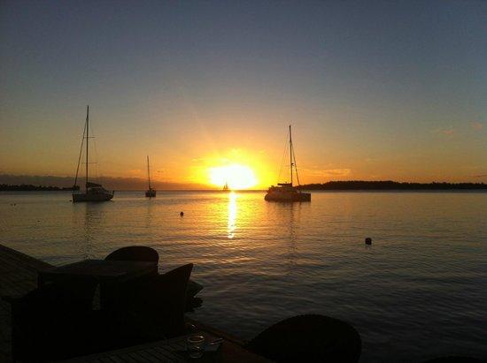 Bora Bora Yacht Club : the amazing sunset