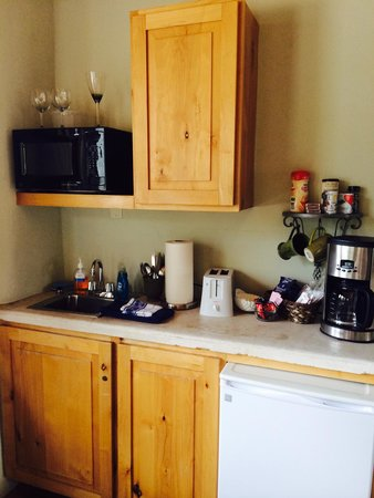 The Rooms Upstairs: Kitchenette