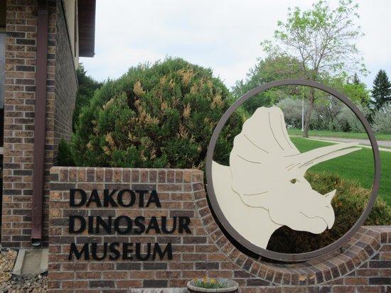 Entrace to Dakota Dinosaur Museum