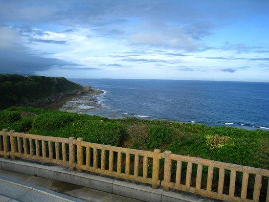 Okinawa Peace Memorial Park: 静かに黙祷