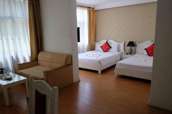 Hanoi Royal Palace Hotel 2: Room 402