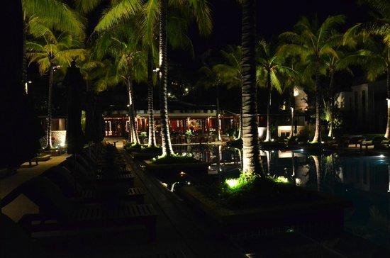 Andara Resort and Villas: night view towards Silk