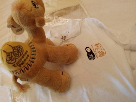 Emirates Palace Hotel: Gifts to my son from the hotel staff