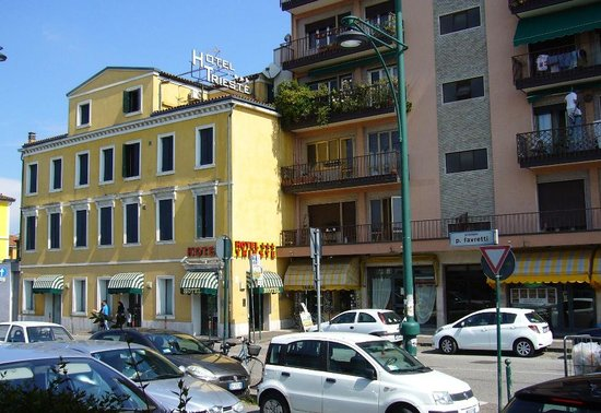 Trieste Hotel: View from train station