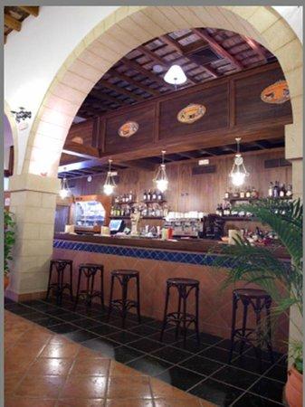 Bodega Real Hotel: CAFETERIA