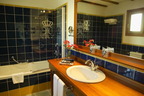 Bodega Real Hotel: BAÑO