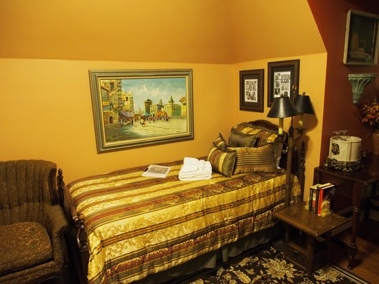 Welcome Inn Manor Bed & Breakfast: Louis Armstrong Room