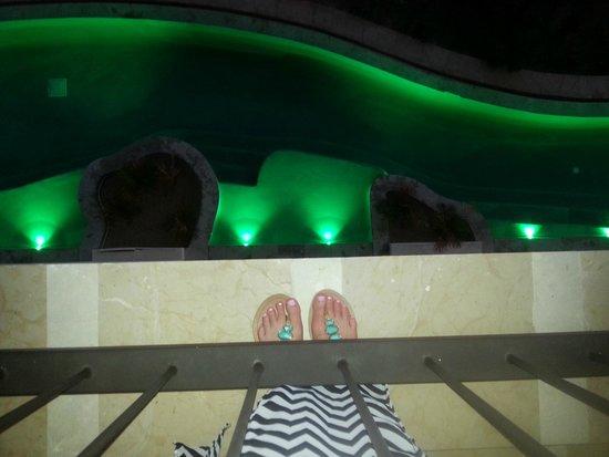 Secrets Puerto Los Cabos Golf & Spa Resort: swimup room below