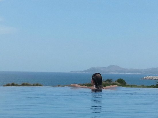 Secrets Puerto Los Cabos Golf & Spa Resort: Garden View Room (2306) - Actually Ocean View!