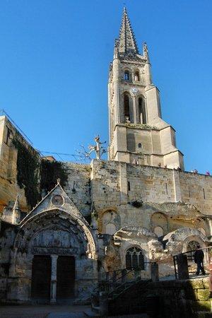 Eglise Monolithe de Saint-Emilion : vista