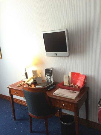 Kempinski Hotel Moika 22: room