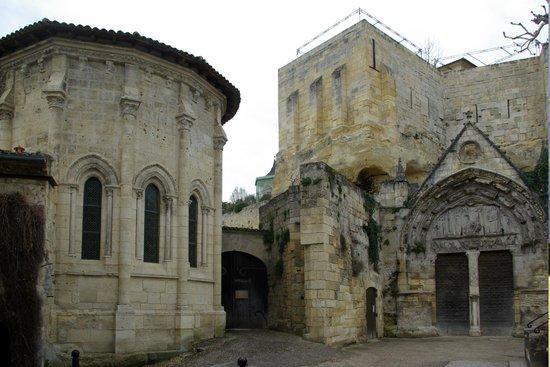 Eglise Monolithe de Saint-Emilion : portale