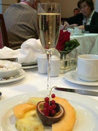 Kempinski Hotel Moika 22: Champagne
