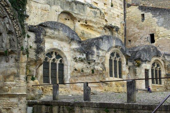 Eglise Monolithe de Saint-Emilion : finestre