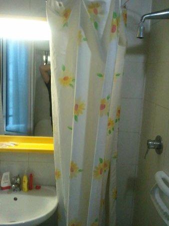 Hotel Stromboli: misery