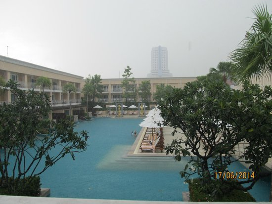 Millennium Resort Patong Phuket: pool