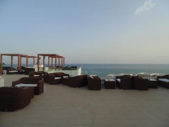 Sensimar Royal Blue Resort & Spa: La terrasse d'un des bars