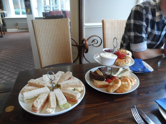 Royal Albion Hotel: Afternoon tea for 2