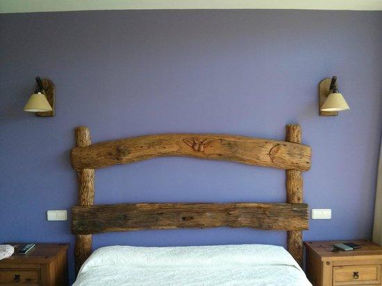 El Quesar de Gamoneo: Cabecero de la cama