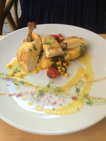 Borsso Bistro: Chicken and corn