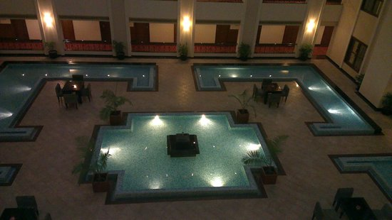 GreenPark Chennai : Intermediate Floor Lobby