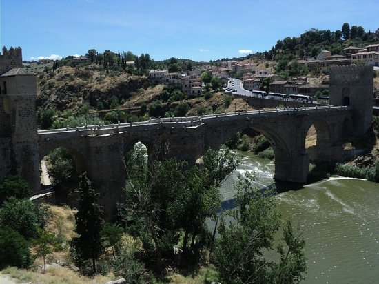 Puente de San Martín: Bridge of San Martin