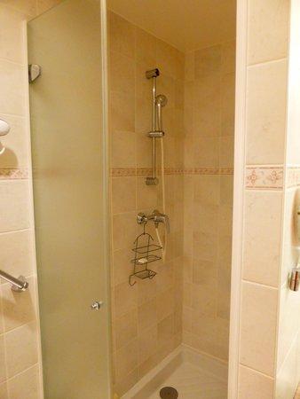 Hôtel-Restaurant de la Plage: douche