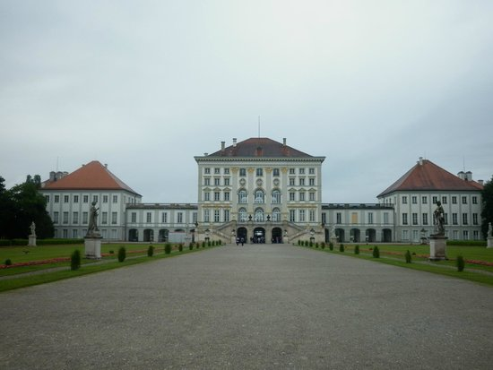 Nymphenburg Palace : Back side of the castle