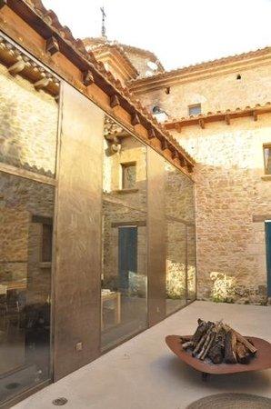 Hotel Consolacion: architectural details
