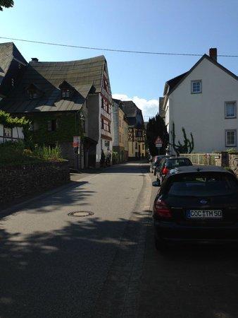Zufahrt zum Hotel Mosella, Bullay