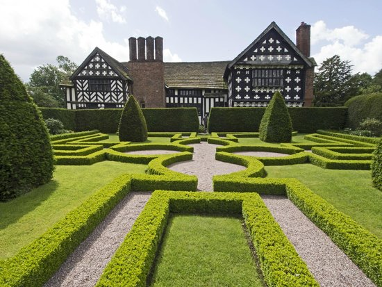 Little Moreton Hall: An Unsealed Knot?