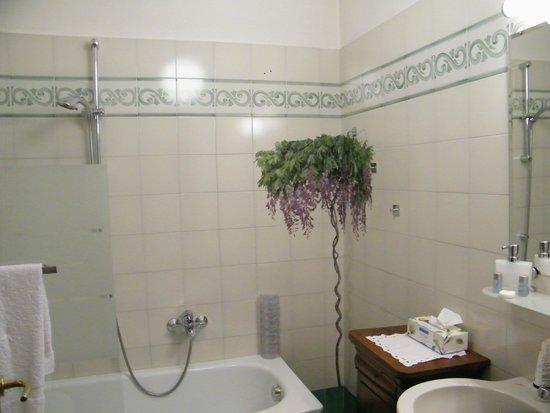 B&B Effegi: The Bathroom