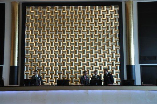 Thon Hotel Opera : Recepcion