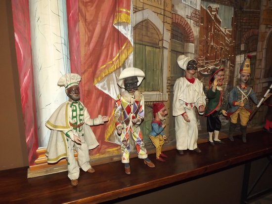 Il Museo internazionale delle marionette : Marionette di alcune maschere tradizionali italiane