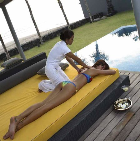 Poolside massage and spa therapies (Luna2 private hotel)