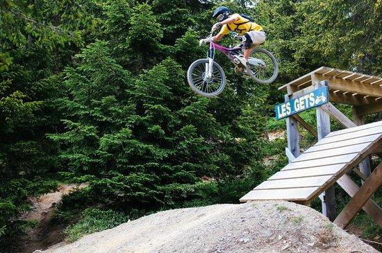 Bikepark Les Gets : Big drop!