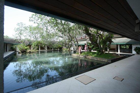 Bentota Beach by Cinnamon: Central courtyard